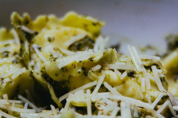 Pesto-Cheese-Ravioli-4