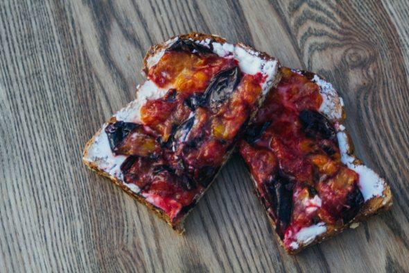 toast-plum-goat-cheese-1_web