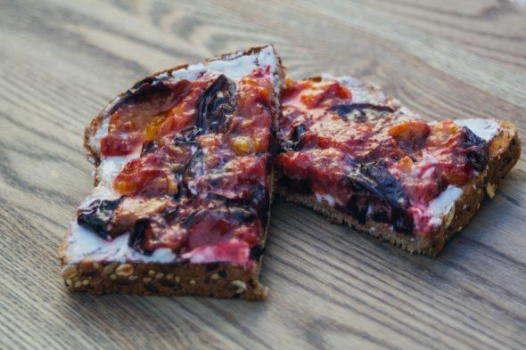 toast-plum-goat-cheese-5_web