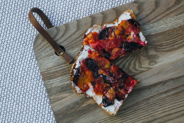 toast-plum-goat-cheese-7_web