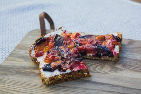 toast-plum-goat-cheese-8_web